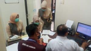 Para Karyawan Kontrak Dishub dan Calon Pegawai Tetap BPR Test Urine Ke BNN